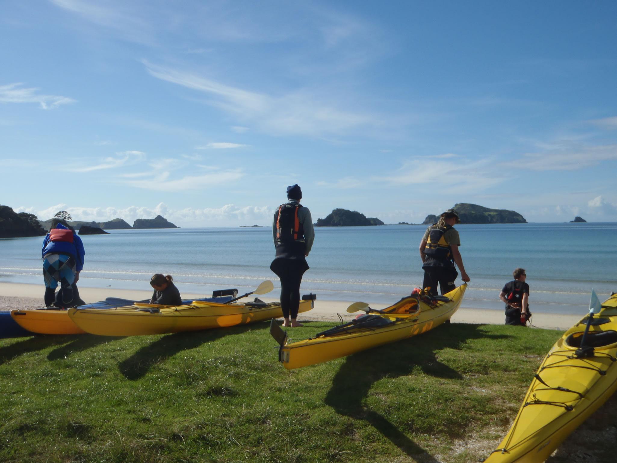 Kayak Northland - Kayaks launching